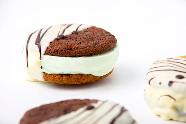 Green Mint Gelato Cookie Sandwich